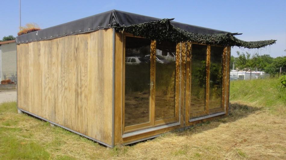 Construction showroom en containers bois container bois for Container bois occasion