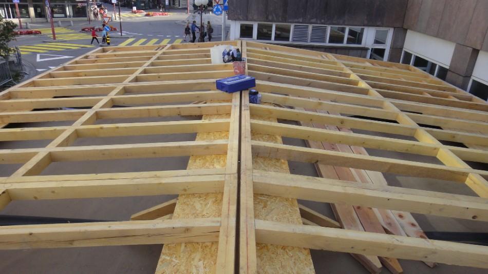 Livraison guichets provisoires de la gare de bulle suisse for Container bois